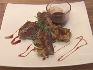 Lammrücken im Kartoffelmantel in Rosmarin-Jus mit Mangold - Rezept - Bild Nr. 4626