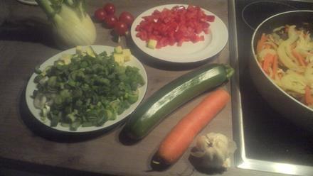 Gemüsepfanne mit frischen Fisch oder Garnelen - Rezept - Bild Nr. 4783