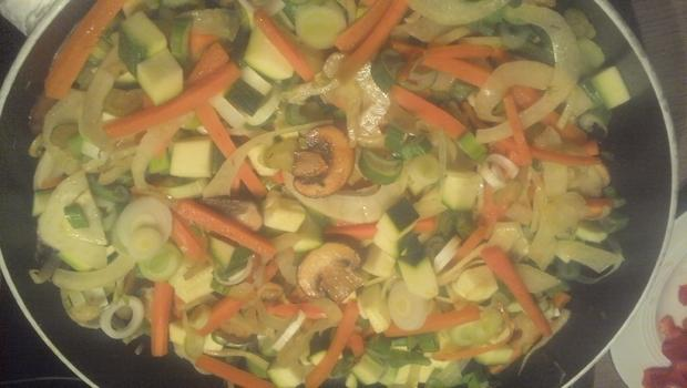 Gemüsepfanne mit frischen Fisch oder Garnelen - Rezept - Bild Nr. 4796