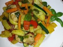 Gemüsepfanne mit Frikadellenbällchen - Rezept - Bild Nr. 4885
