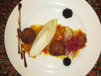 Gebackene Hähnchen-Pralinen mit Mango-Papaya-Salsa und mariniertem Chicorée - Rezept - Bild Nr. 4904