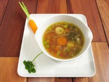 Frisch gemachte Rindersuppe mit Gemüse der Saison - Rezept - Bild Nr. 4904