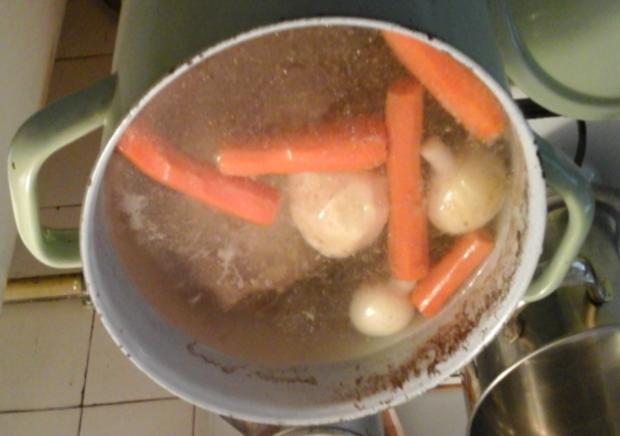 Svickowa mit Semmelknödeln und Gemüse-Rindfleischsuppe - Rezept - Bild Nr. 4932