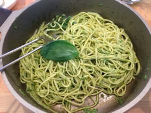 Pasta mit Pesto alla genovese - Rezept - Bild Nr. 4945