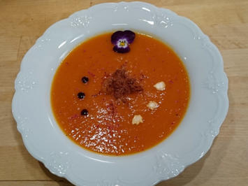 Kürbissuppe mit karamellisierten Äpfeln, Ingwer-Crunch  - Rezept - Bild Nr. 4951