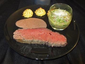 Dry aged Roastbeef vom irischen Weideochsen mit Herzoginkartoffeln in Portweinsauce - Rezept