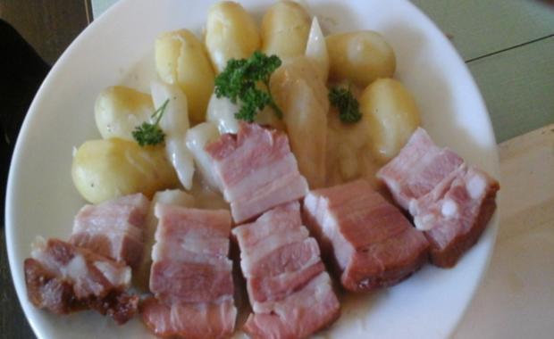 Geräucherter Bauchspeck mit Drillingen und Kohlrabi in Sauce - Rezept - Bild Nr. 7
