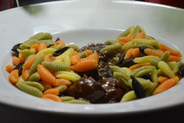 Bunte Pasta mit süss-saurem Rind à la Biggi - Rezept