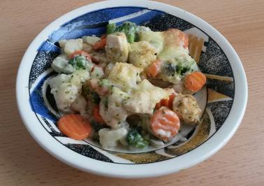 Rezept: Hähnchen - Gemüse - Auflauf mit Käse - Kräuter Sosse