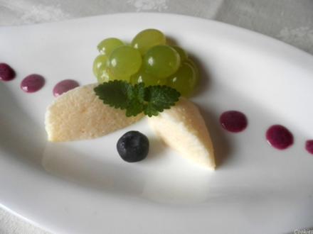 Sekt - Mousse, Heidelbeeren - Sabayon und marinierte Weinbeeren - Rezept - Bild Nr. 2
