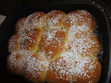 Rezept: Silvias schnelle Germteig Buchteln - gefüllt mit Nußnougat