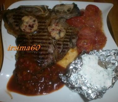 T-Bone Steak mit geschmolzenen Tomaten und Folien Kartoffeln - Rezept
