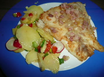 Rezept: Viktoriaseebarsch Finkenwerder Art mit Kartoffelsalat.