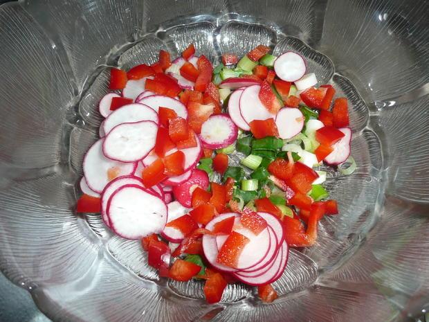 Viktoriaseebarsch Finkenwerder Art mit Kartoffelsalat. - Rezept - Bild Nr. 2