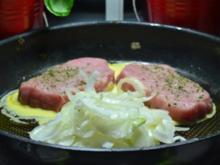 Schweinesteaks mit Porree Gemüse und paniertem Kartoffelstampf à la Biggi - Rezept - Bild Nr. 3