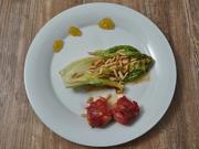 In Serranoschinken gebratener Ziegenkäse an warmem Römersalat mit Feigensenf - Rezept