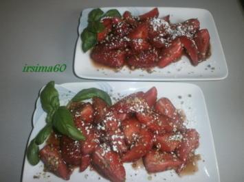 Erdbeeren mit Balsamico und grünem Pfeffer - Rezept