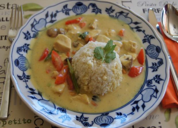 Hähnchenbrustfilet-Curry mit Kokosmilch und Blumenkohl-Reis - Rezept