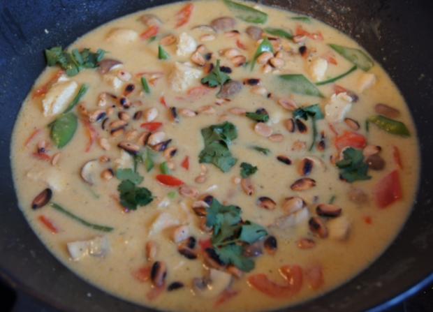Hähnchenbrustfilet-Curry mit Kokosmilch und Blumenkohl-Reis - Rezept - Bild Nr. 12