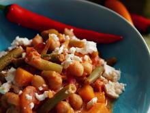 Kichererbsen-Kürbis-Bohnen-Curry mit Schafskäse - Rezept
