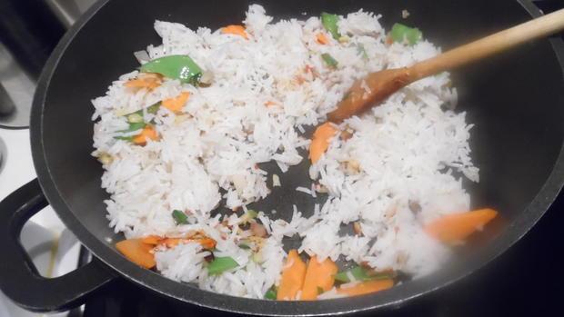 Scharfes Fisch-Curry mit gebratenem Eier-Reis - Rezept - Bild Nr. 3