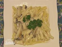 Pasta mit Pilz Sahne Soße und Salat (Helena Fürst) - Rezept