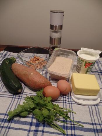 Zucchini-Süßkartoffel-Puffer  mit Saure-Sahne-Koriander -Dip - Rezept - Bild Nr. 2