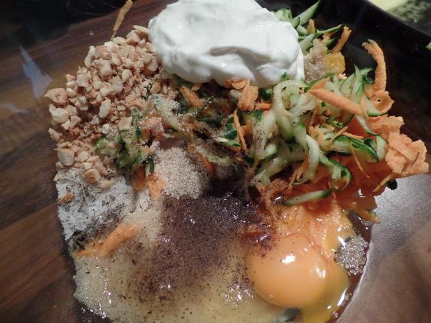 Zucchini-Süßkartoffel-Puffer  mit Saure-Sahne-Koriander -Dip - Rezept - Bild Nr. 6