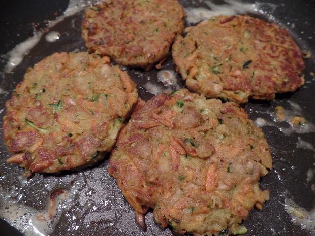 Zucchini-Süßkartoffel-Puffer  mit Saure-Sahne-Koriander -Dip - Rezept - Bild Nr. 9