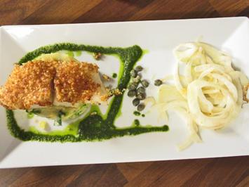 Rezept: Fischfilet mit Mandel Butter Parmesan Kruste auf Kartoffelstampf mit Fenchelgemüse