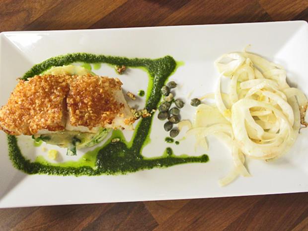 Fischfilet mit Mandel Butter Parmesan Kruste auf Kartoffelstampf mit Fenchelgemüse - Rezept