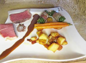 Bio-Tomahawk-Steak mit Bratkartoffeln und Gemüse - Rezept