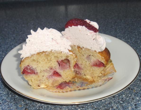 Erdbeer Cupcakes - Rezept - Bild Nr. 3