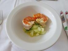 Geflämmte Bayrische Garnele auf Gurken-Apfelsalat und geeistem Leindotteröl - Rezept - Bild Nr. 2