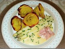 Spargeln, Kartoffel-Rosen, Prager Schinken und  Sauce Hollandaise - Rezept