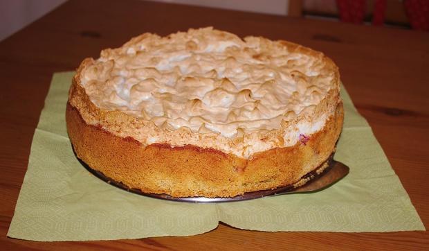 Rhabarber-Meringe-Kuchen von Mama - Rezept - Bild Nr. 3
