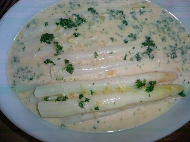 Spargel weiß mit heller Soße und Kartoffeln. - Rezept - Bild Nr. 2