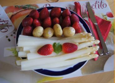 Spargel mit Erdbeeren und Frühkartoffeln - Rezept