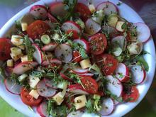 Radieschen-Tomatensalat mit Käse - Rezept - Bild Nr. 3