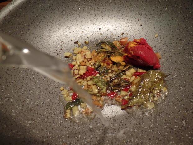 Tintenfischringe in roter Sauce - Rezept - Bild Nr. 7