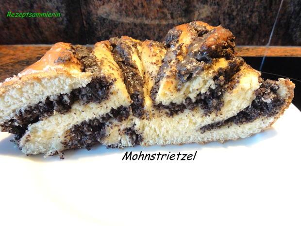Hefe:   MOHNSTRIETZEL - Rezept