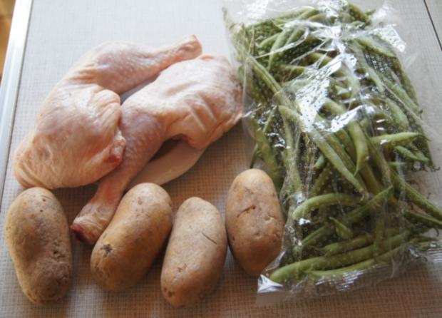 Hähnchenschenkel mit grünen Bohnen und Kartoffelpilzen - Rezept - Bild Nr. 2