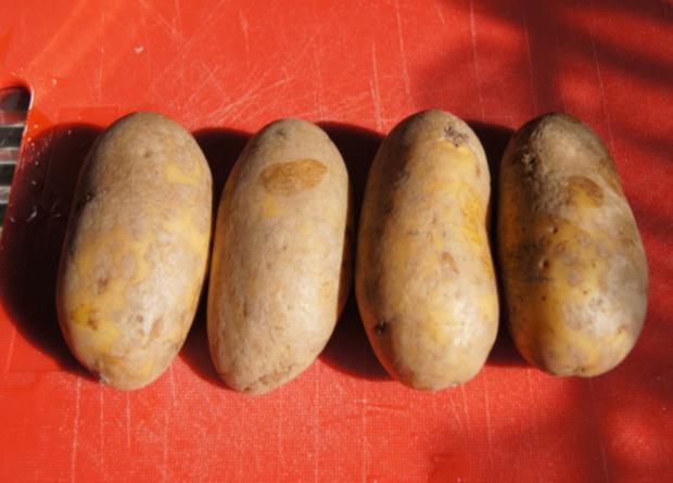 Hähnchenschenkel mit grünen Bohnen und Kartoffelpilzen - Rezept - Bild Nr. 8