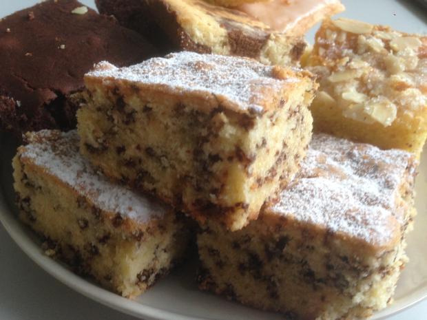 Heller Kuchen Mit Schokostreusel Vom Blech Rezept Kochbar De
