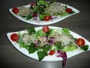 Gemischter Salat mit Sprossen zu Schwenkbraten + Kartoffelbällchen. - Rezept - Bild Nr. 2