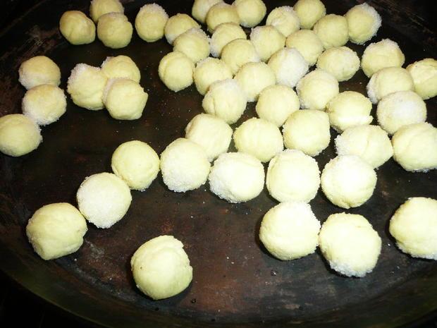 Gemischter Salat mit Sprossen zu Schwenkbraten + Kartoffelbällchen. - Rezept - Bild Nr. 3