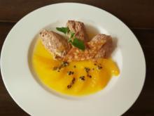 Nougat-Mousse mit Orangenkompott und Pinienkern-Walnuss-Krokant - Rezept