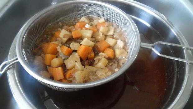 Ochsenschwanz-Suppe mit Tortellini-Einlage - Rezept - Bild Nr. 18