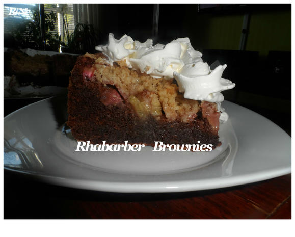 BiNe` S RHABARBER BROWNIES - Rezept