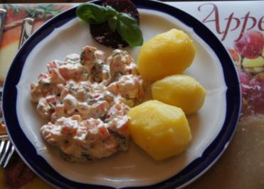 Rezept: Quark mit Paprika, Basilikum und Pellkartoffeln